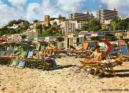 Bajondillo sillas en la playa