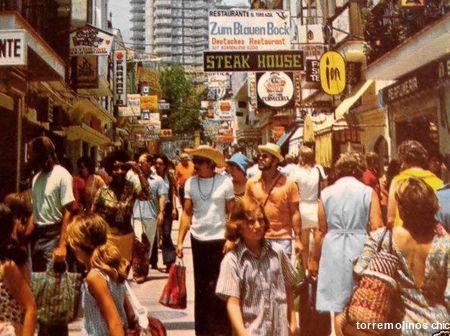 Calle san miguel turistas