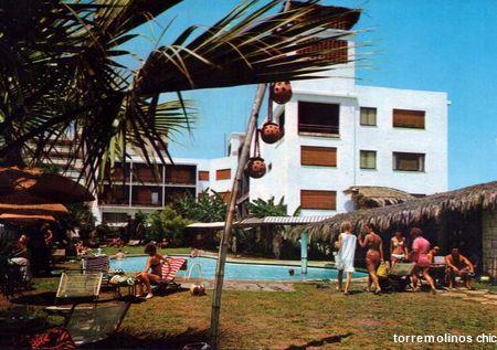 Clientes en la piscina