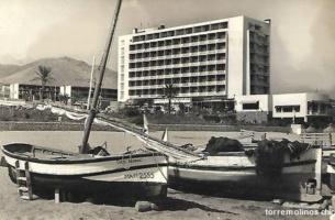Hotel pez espada y barcas