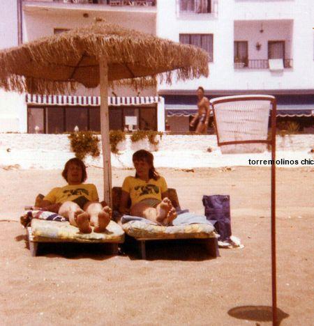 Jovenes playa carihuela